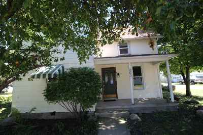 Otterbein Single Family Home For Sale: 203 N Columbia