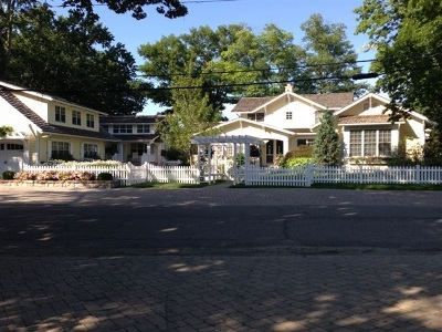 Single Family Home For Sale: 10730 N South Shore