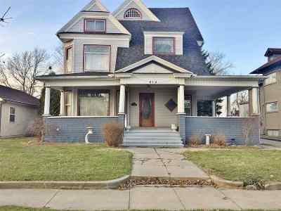 Kendallville Single Family Home For Sale: 212 W Mitchell Street