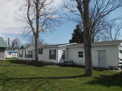 Manufactured Home For Sale: 614 N Sycamore Street
