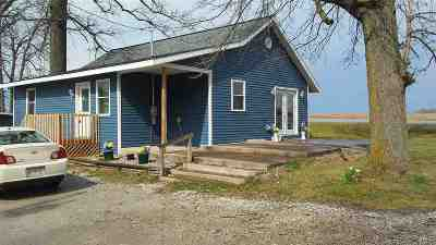 Columbia City Single Family Home For Sale: 3606 W Goss Rd - 57