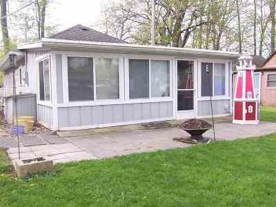 Kosciusko County Single Family Home For Sale: 70 Ems W16 Ln