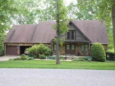 Spencer County Single Family Home For Sale: 826 S Balthazar Drive