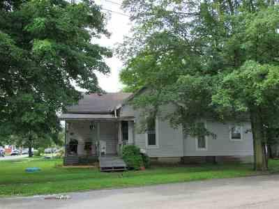 Huntington Single Family Home For Sale: 550 Lincoln Avenue