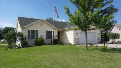 Columbia City Single Family Home For Sale: 704 Thornapple