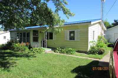 Kosciusko County Single Family Home For Sale: 303 W Sycamore
