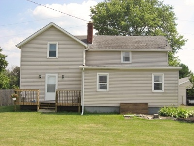 Culver IN Single Family Home For Sale: $139,000