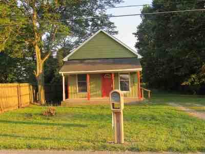 Huntington Single Family Home For Sale: 1585 E Taylor