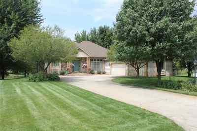 Kosciusko County Single Family Home For Sale: 2327 S Clover