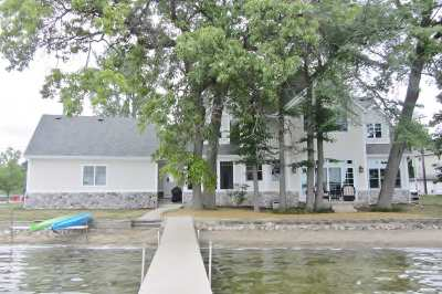 Steuben County Single Family Home For Sale: 254 West Clear Lake Dr