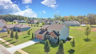 Kosciusko County Single Family Home For Sale: 589 Essex
