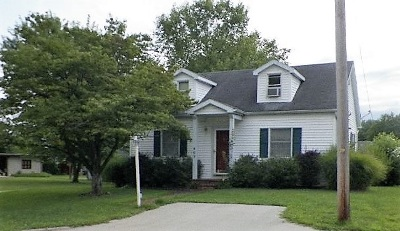 Huntingburg Single Family Home For Sale: 409 S Chestnut Street