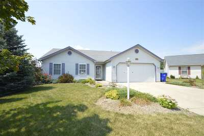 Woodburn Single Family Home For Sale: 22105 Maple Court