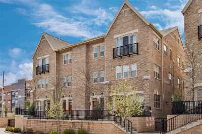 South Bend Condo/Townhouse For Sale: 54651 Burdette #Q-7