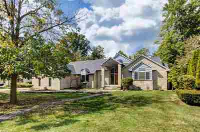 Fort Wayne Single Family Home For Sale: 5417 Autumn Woods Trail