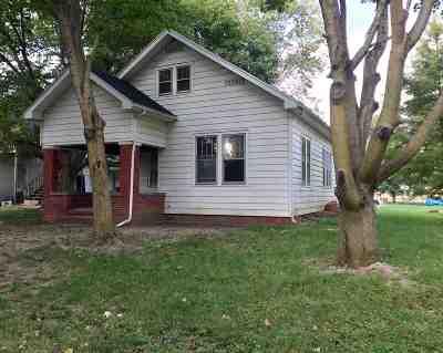 Jonesboro Single Family Home For Sale: 708 S Water