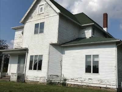 Single Family Home For Sale: 103 E 4th