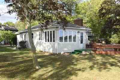 Kosciusko County Single Family Home For Sale: 11221 N Cedar Point Low Road