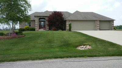 Kendallville Single Family Home For Sale: 2912 Noble Hawk Dr