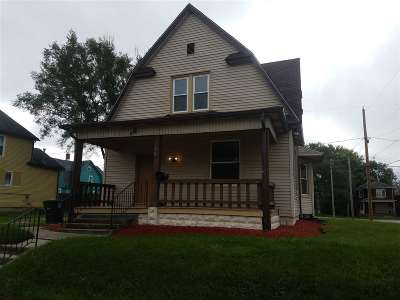 Allen County Single Family Home Back On Market: 302 E Woodland