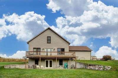 LaGrange County Single Family Home For Sale: 605 E 450 S