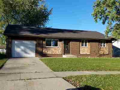 Garrett Single Family Home For Sale: 206 W Clark