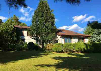Culver IN Single Family Home For Sale: $289,000