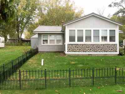 Kendallville Single Family Home Cont-Accptngbackupoffers: 7747 E Cree Lake Dr.