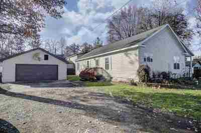 Wolcottville IN Single Family Home For Sale: $182,500