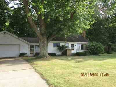 Mishawaka Single Family Home For Sale: 13782 Douglas Road