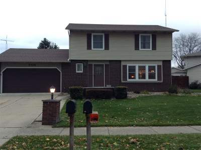 South Bend Single Family Home For Sale: 5416 Colonial Lane