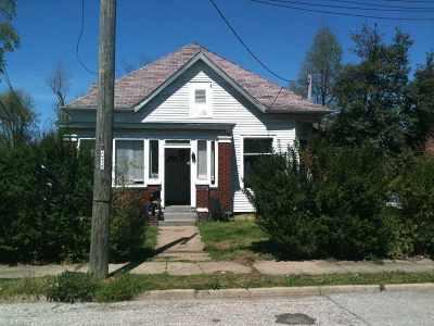 Boonville Single Family Home For Sale: 208 E Gough Avenue
