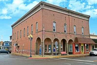 Kosciusko County Single Family Home For Sale: 107 N Walnut Street