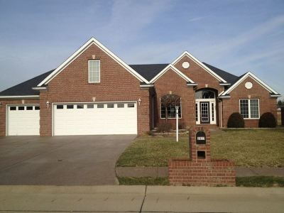 Newburgh Single Family Home For Sale: 2577 Meadowcrest Drive