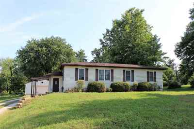 Newburgh Single Family Home For Sale: 7133 Oak Grove Road
