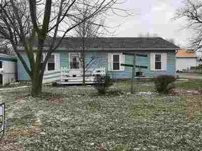 Huntington Single Family Home For Sale: 1737 Hedde Street