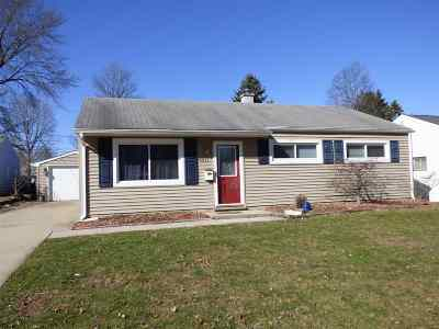 South Bend Single Family Home For Sale: 4031 Woodvale