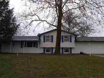 St. Joseph County Single Family Home For Sale: 18135 Heatherfield Dr