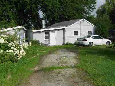 Whitley County Single Family Home For Sale: 5456 N Oak Drive