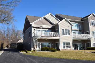 Syracuse Condo/Townhouse For Sale: 8732 E Smith Dr. #7