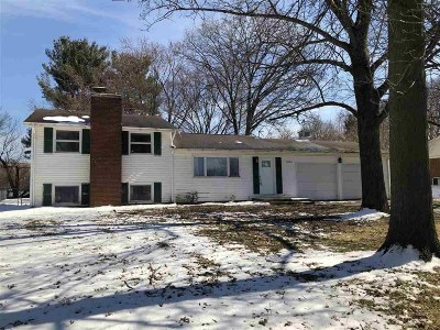 South Bend Single Family Home For Sale: 52700 Walsingham Lane