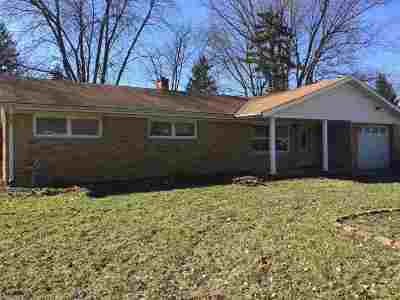 Lafayette Single Family Home For Sale: 16 Eastland Drive