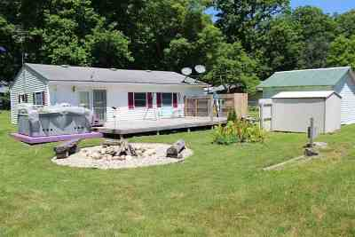 Steuben County Single Family Home For Sale: 40 Lane 118b Big Turkey Lake