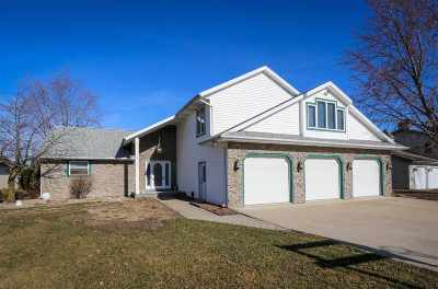 Kosciusko County Single Family Home For Sale: 201 Ems B20c2