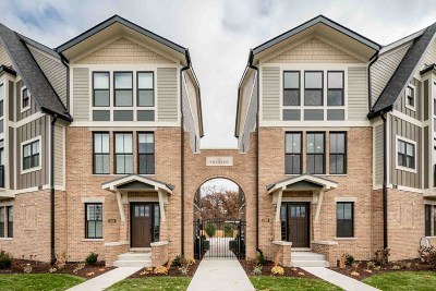 South Bend Condo/Townhouse For Sale: 1260 N Twyckenham Drive