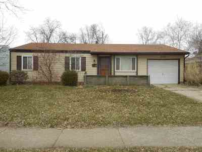 South Bend Single Family Home For Sale: 2015 Renfrew Drive