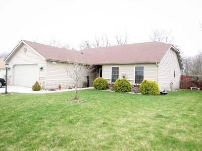 Kendallville Single Family Home For Sale: 501 Bison Blvd