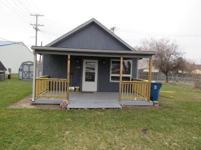 Mishawaka Single Family Home For Sale: 107 Wayne Street