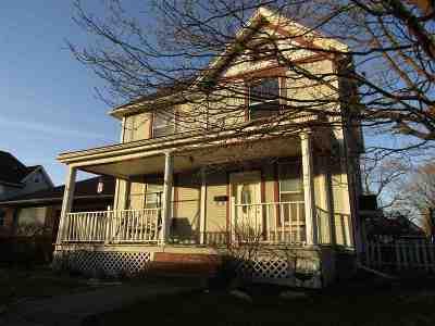 Huntington Single Family Home For Sale: 555 S Jefferson Street