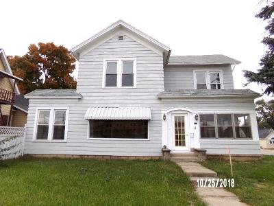 Angola Single Family Home For Sale: 417 E Maumee St